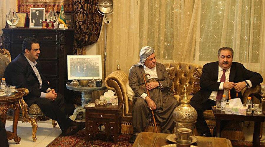 Şeyh Muhammed el Kesnizani'nin dönemin Irak Dış İşleri Bakanı Hoşyar Zebari ile görüşmesinden.