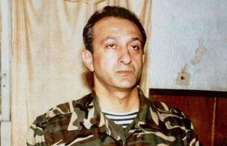 OMON (Özel Amaçlı Polis Birimi) lideri olan Rövşen Cavadov 1995 yılında hükumeti devirmeye teşebbüs ettiği için İç işleri bakanlığı birlikleri ile çıkan çatışmada öldürüldü.