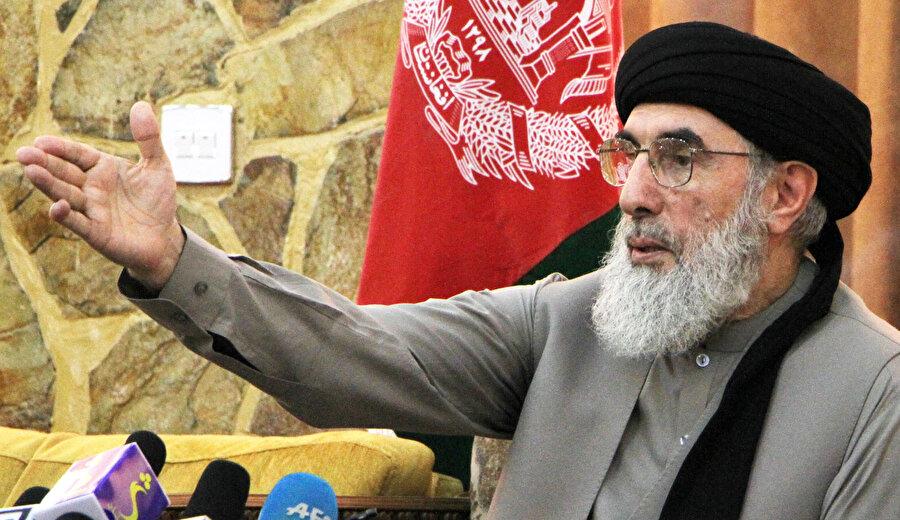 Gulbeddin Hikmetyar 17 Haziran 1993 - 28 Haziran 1994 tarihleri arasında Afganistan başbakanlığı görevini yürüttü.