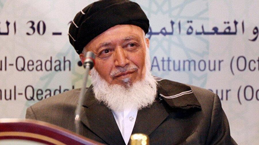 Burhaneddin Rabbani Taliban'ın 1996'da iktidara gelmesiyle fiilen devrildi ama 2001 yılına kadar BM tarafından hukuken Afganistan'ın devlet başkanı olarak tanındı ve 2011'de intihar saldırısında öldürüldü.