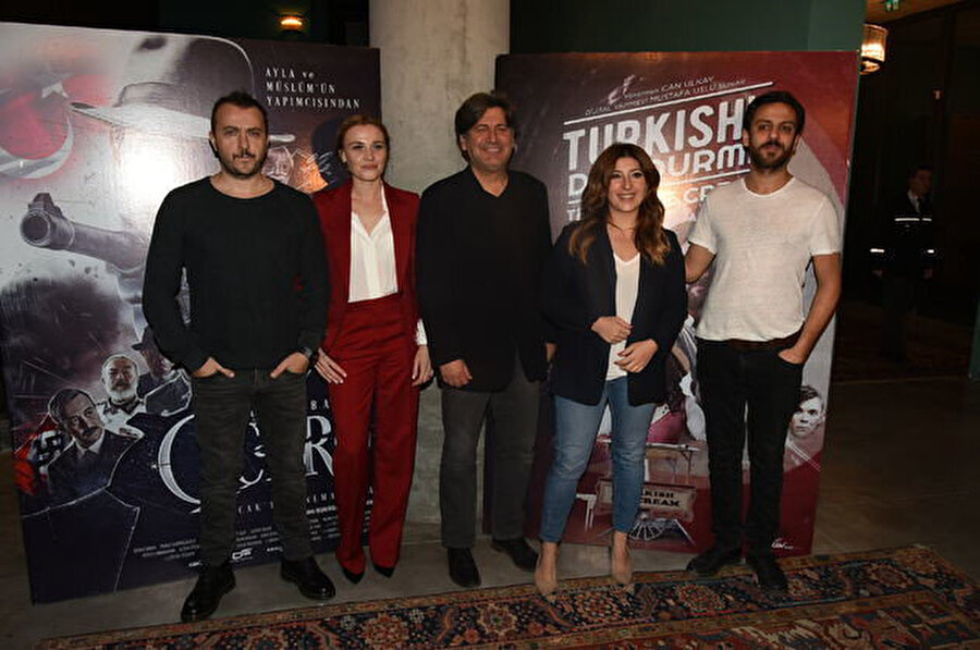 Dün filmin oyuncuları ve yapımcıları Solo House İstanbul'da tanıtım toplantısı gerçekleştirdi.