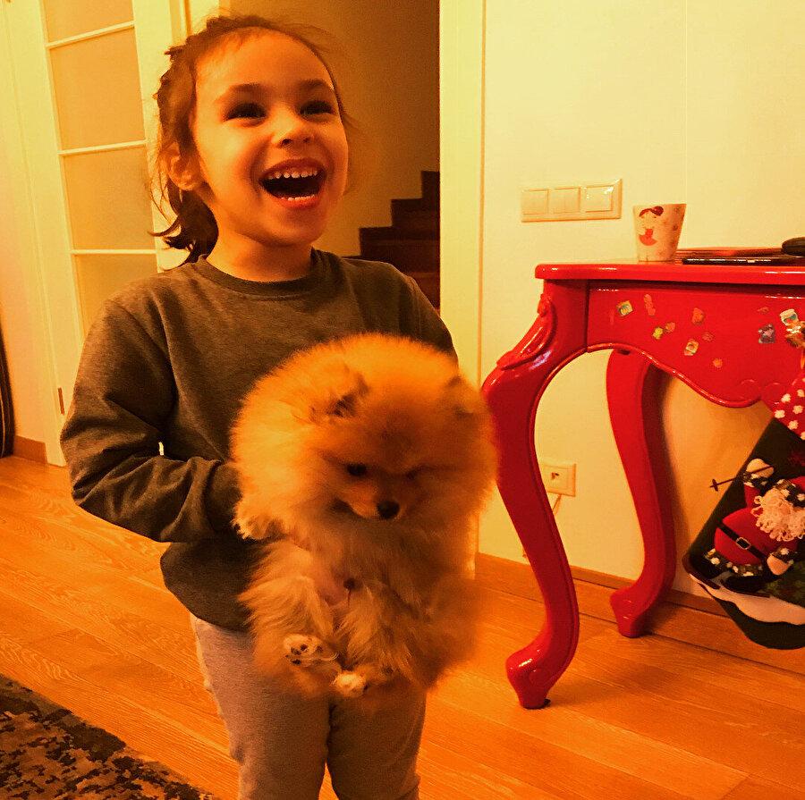 Zuhal Topal'ın kızı Lina.