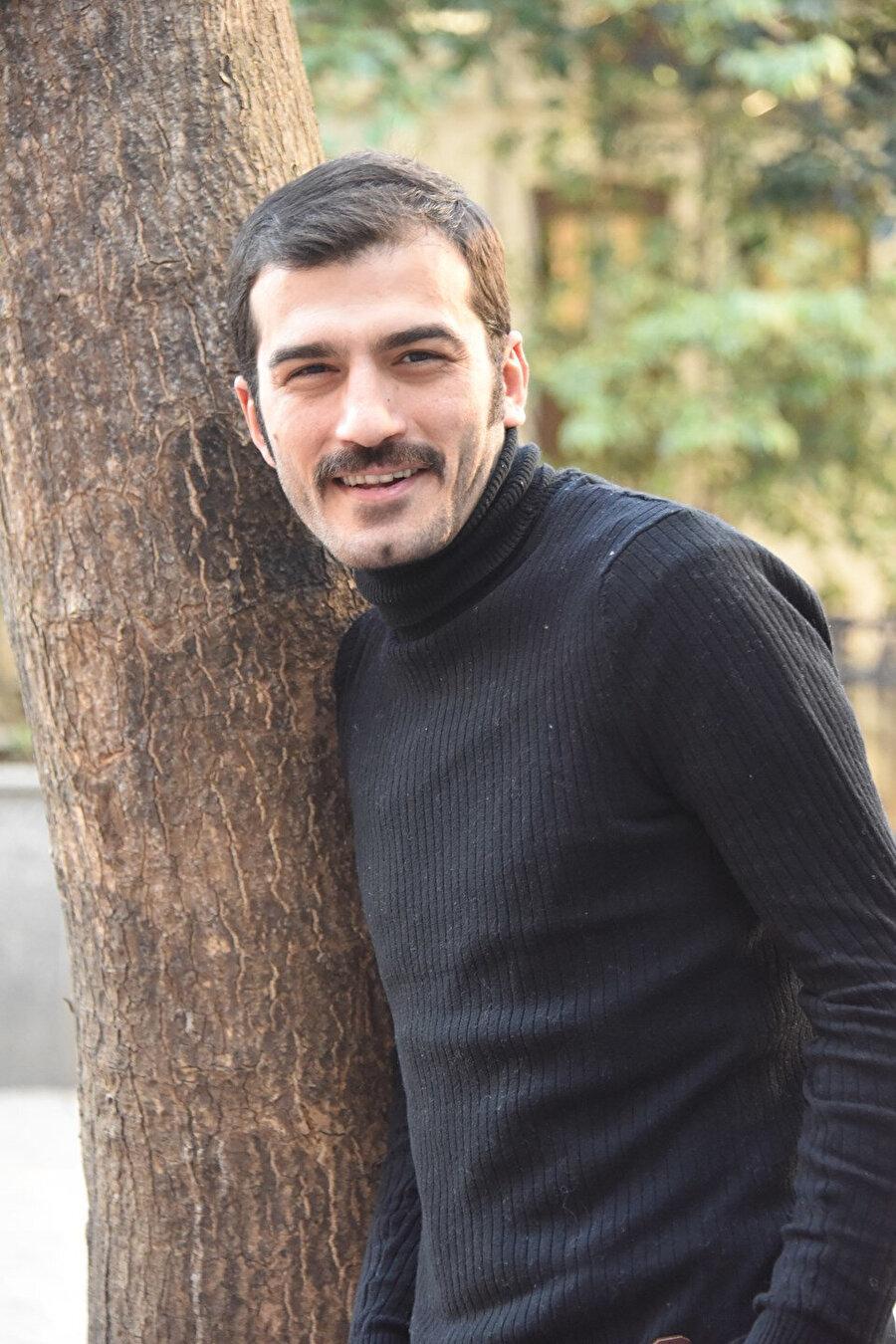 """2015 seneseinde başrolünü Hasibe Eren ve Selen Domaç ile paylaştığı """"Kümes""""adlı filmin senaryosunu yazdı ve yönetmenlik koltuğuna da yine kendisi oturdu."""