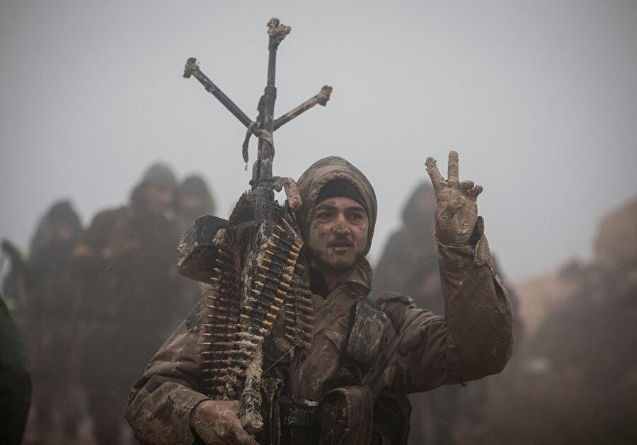 TSK, Özgür Suriye Ordusu'nu destekledi.
