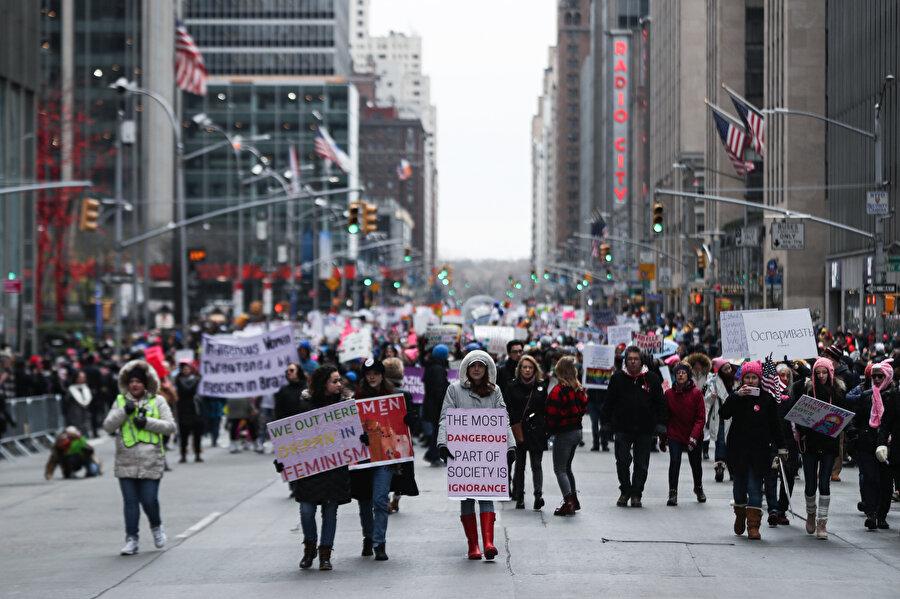 New York'taki yürüyüşten bir kare.