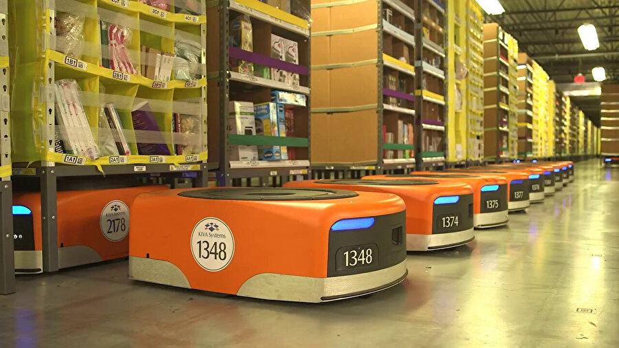 Amazon, bu robotları depo yerleşimi konusunda aktif olarak kullanıyor.