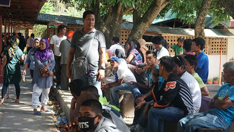 Filipinler'in güneyinde yaşayan Moro Müslümanlarının geleceğini etkileyecek Bangsamoro Organik Yasası (BOL) referandumunda Morolar oy kullanıyor.