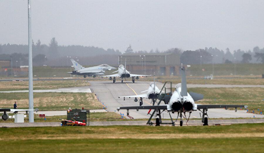 Bölgede İngiltere'ye ait 16 uçağın kalacağı öğrenildi.