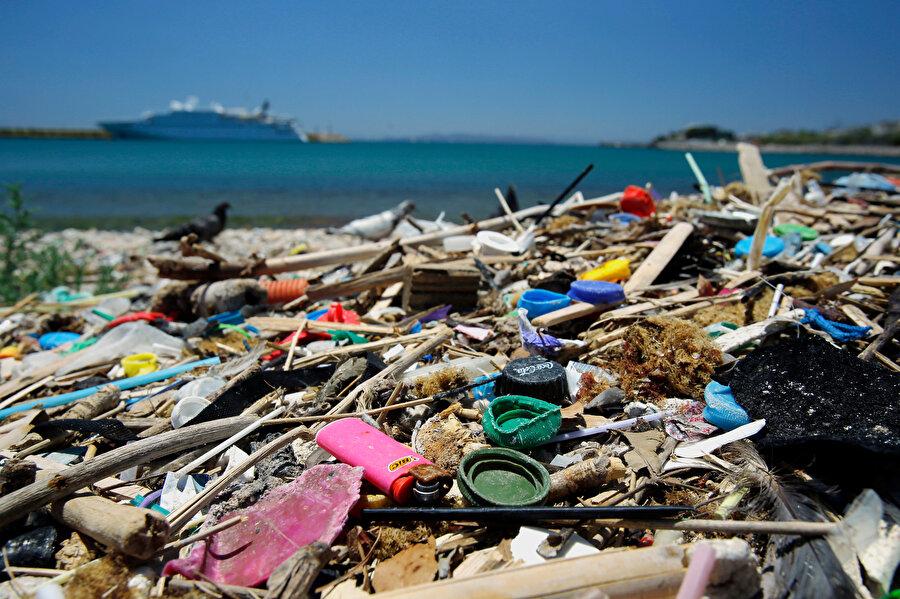 Dünya Doğayı Koruma Vakfı (WWF) raporunda, Akdeniz'in plastik kirliliği seviyesi en yüksek denizlerden biri olduğunu açıklamıştı.
