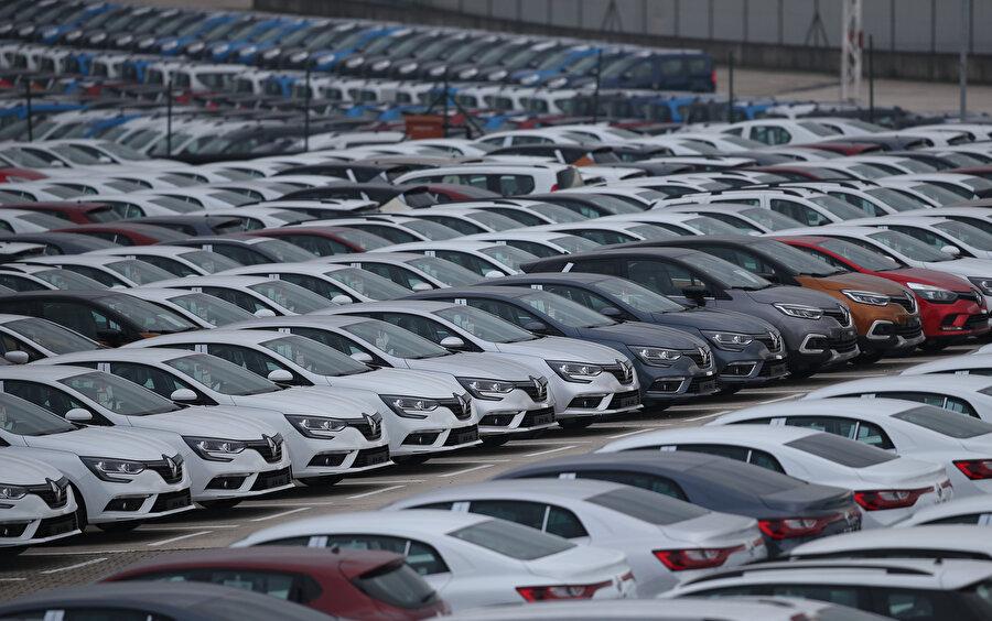 Türkiye'de geçen yıl üretilen 1 milyon 26 bin 461 otomobilin yüzde 49,2'sinde, ihraç edilen otomobillerin ise yüzde 47,2'sinde otomotiv devleri Renault ve Tofaş'a ev sahipliği yapan Bursa'nın imzası var.