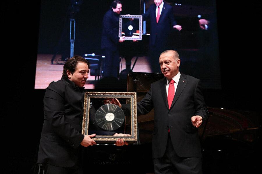 Fazıl Say ve Recep Tayyip Erdoğan, Truva Sonatı konserinde bir araya geldi.