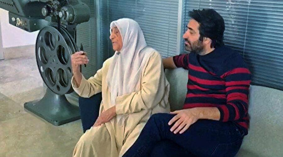 Mahsun Kırmızıgül ve 93 yaşındaki annesi Faika Arık.