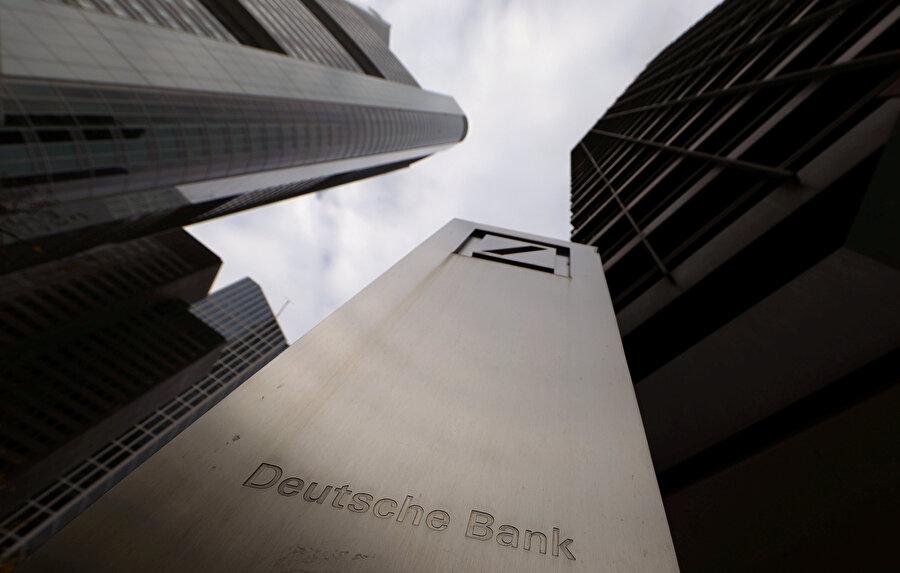 Frankfurt'ta bulunan Deutsche Bank binası.