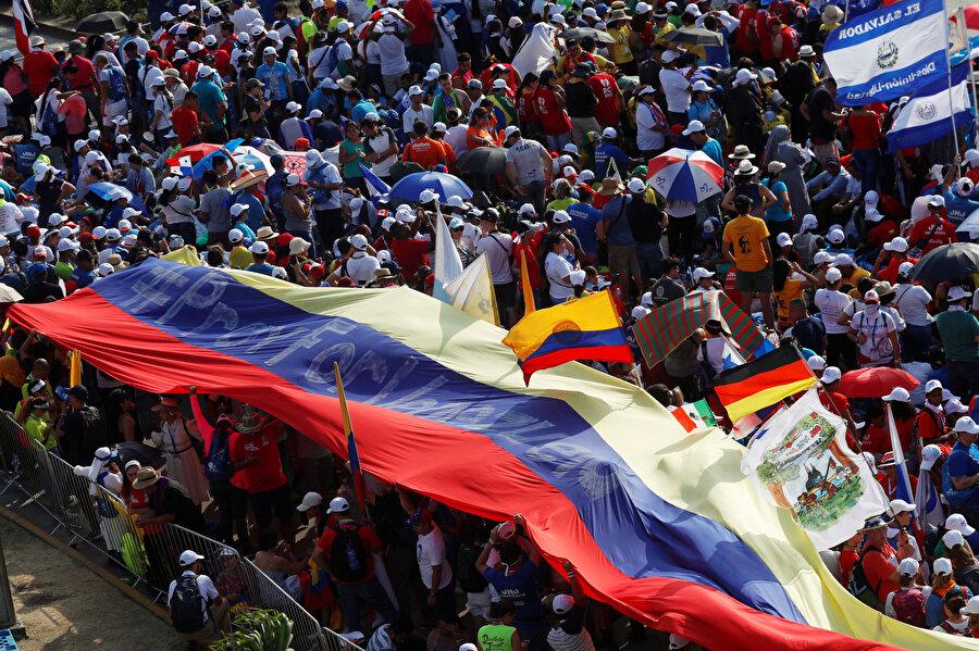 Venezuela'da halk sokaklara çıktı.