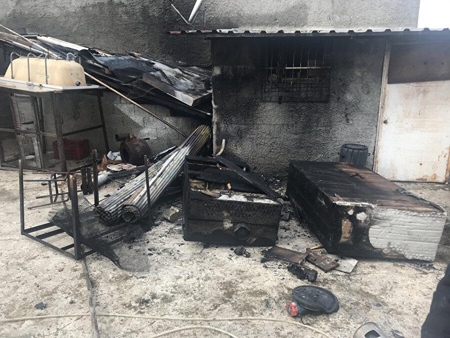 Katil zanlısı O.K.'nin güvercin beslediği kulübe, amcası tarafından ateşe verildi.