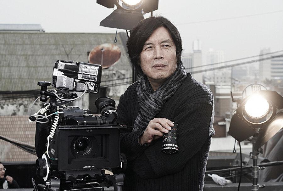 Oscar adaylığının kapısından dönen Burning filminin yönetmeni, Lee Chang Dong.