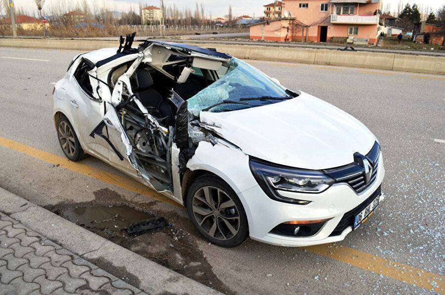 Ankara'nın Çubuk ilçesinde 3 aracın karıştığı zincirleme trafik kazasında 3 kişi yaralanmıştı.