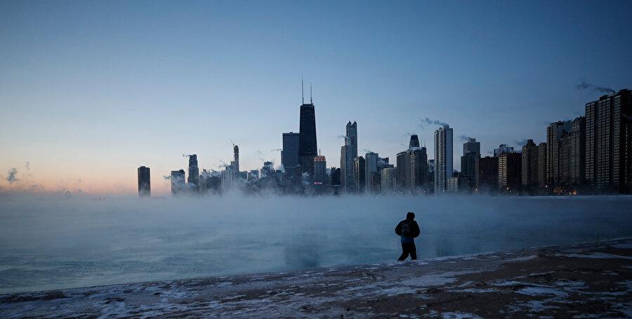 ABD soğuk havaya teslim oldu.