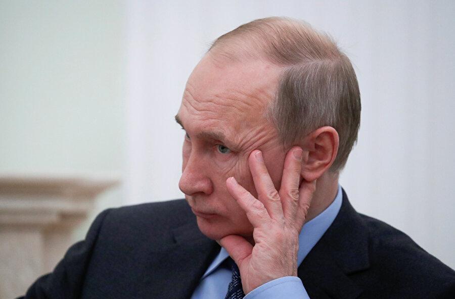 Rusya Devlet Başkanı Vladimir Putin, ABD'nin Orta Menzilli Nükleer Kuvvetler Anlaşması'ndan (INF) çıkma durumuna ilişkin Güvenlik Konseyi'ni topladı.