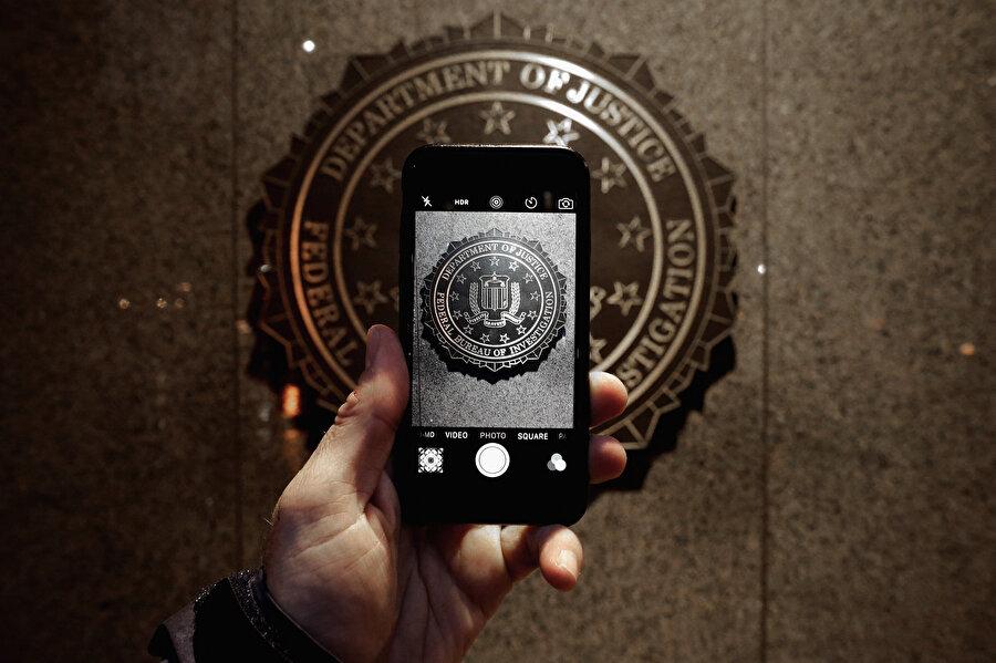 FBI, Apple üzerindeki çalışma temposunu artırıyor.