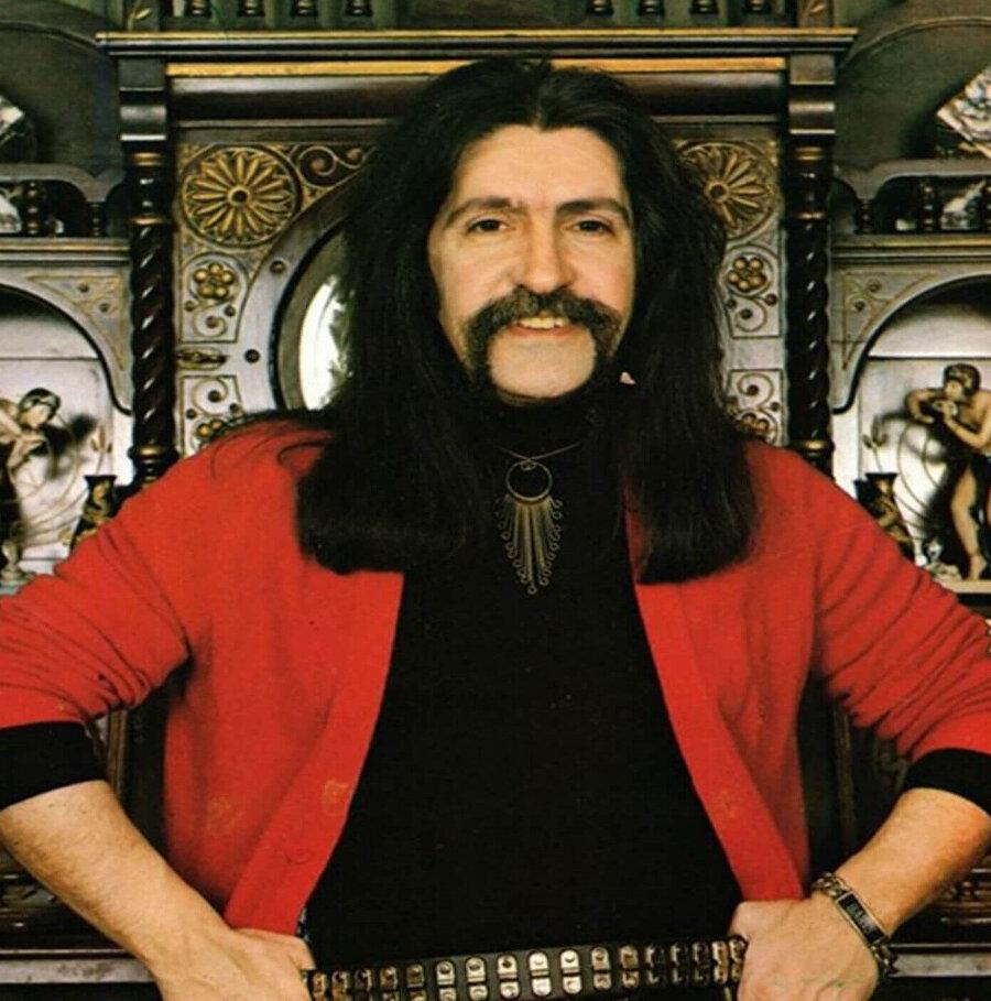 Türk müziğinin efsane ismi Barış Manço, 1 Şubat 1999'da vefat etmişti.