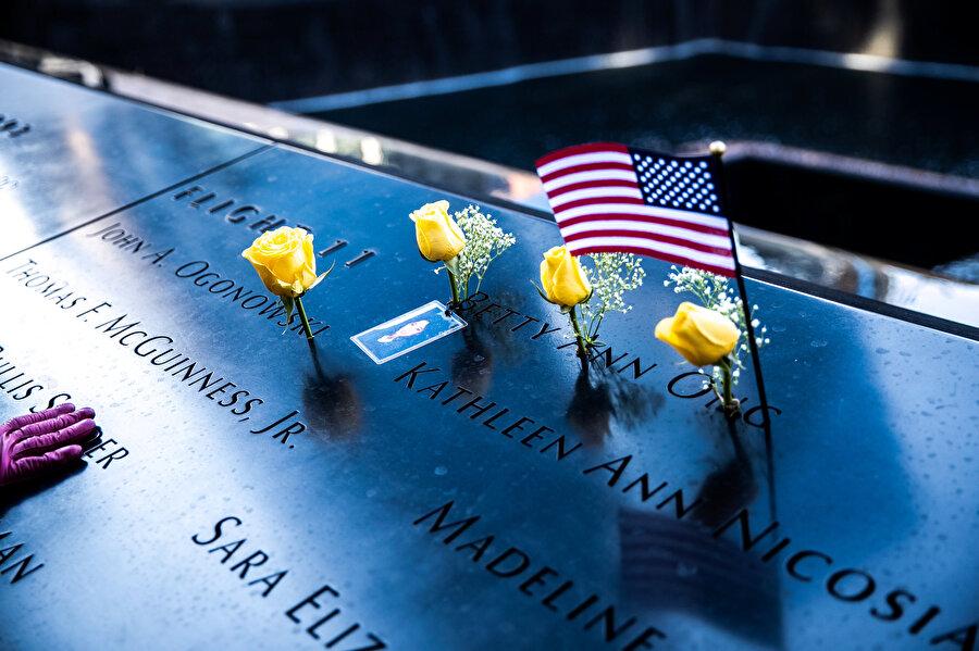 11 Eylül saldırılarında hayatını kaybedenler için bir anıt mezar inşa edilmişti.