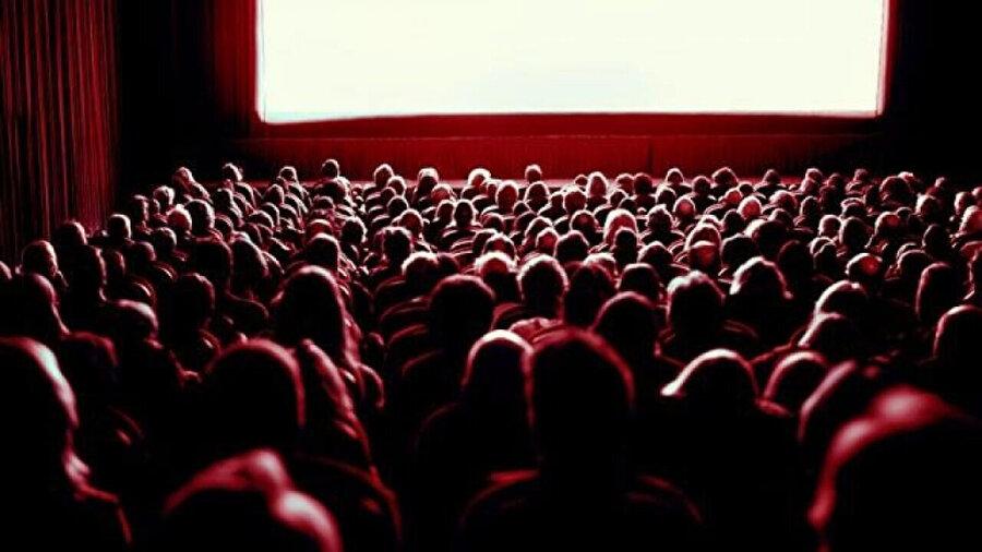 Sinema krizinin ardından vizyona giren yerli filmlere seyircilerin ilgisi büyük oldu.