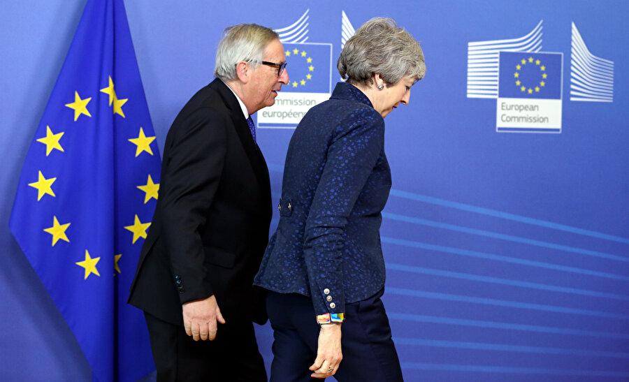 Theresa May ve Jean-Claude Juncker ortak bir açıklama yaptı.