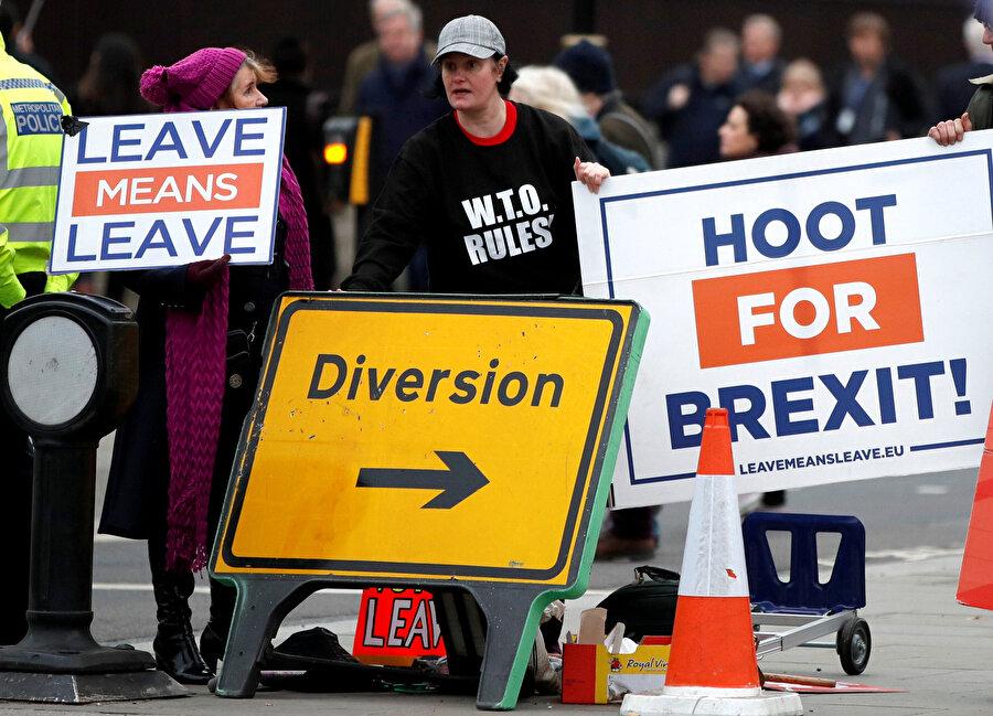 Londra'daki Brexit protestolarından bir kare.