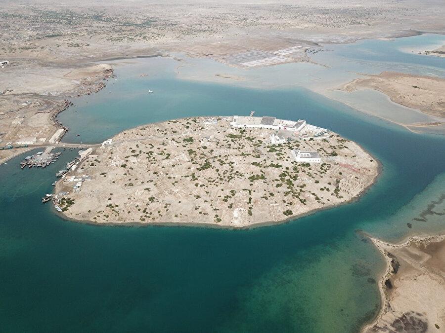 Sudan'ın Kızıldeniz kıyısındaki Sevakin adası, Türkiye tarafından yeniden eski canlılığına kavuşturuluyor.
