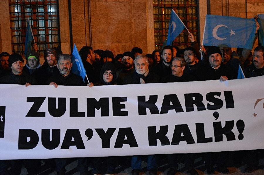 Bursa Ulu Cami'de Çin yönetiminin Uygur Türklerine uyguladığı baskıcı politikalar protesto edilmişti.