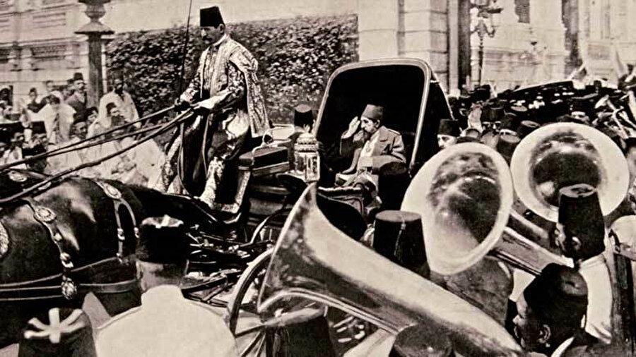 Devletin toparlanabilmesi için zamana ihtiyaç olduğuna inanan Abdülhamid, ağır bir yük oluşturan savaşlardan kaçınma yoluna gitti.
