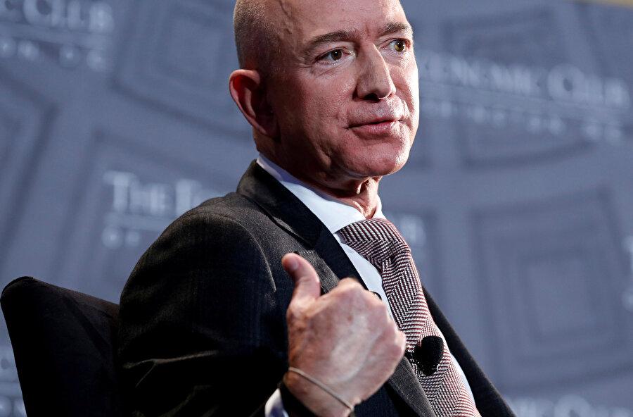 Dünyanın en zengin ismi Amazon'un sahibi Jeff Bezos.
