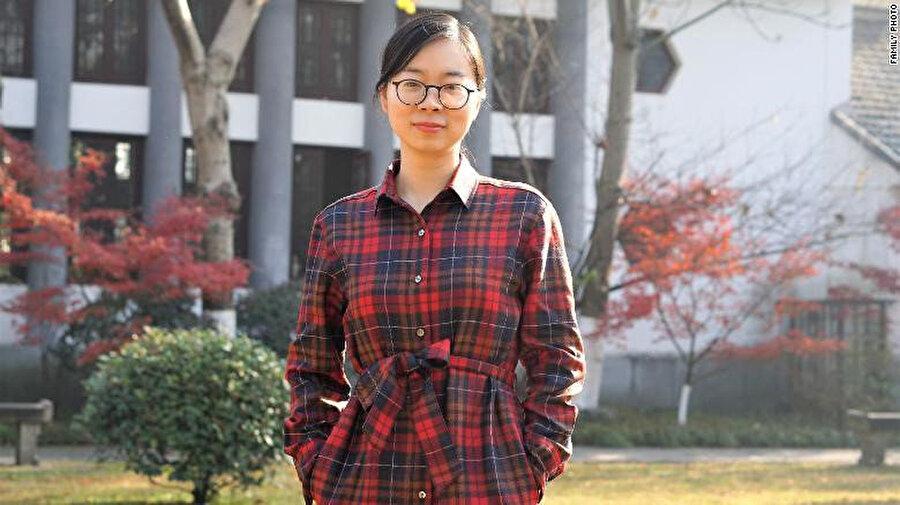 Chen Huijuan, bir lisede öğretmenlik yapıyor.