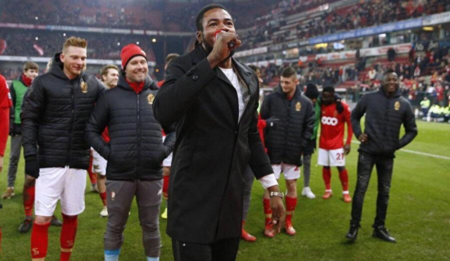 Luyindama maç sonrası Anderlecht taraftarlarına dönerek hareket etmişti.
