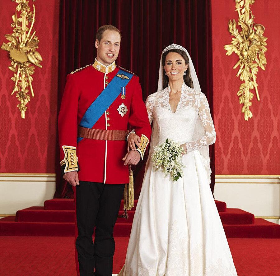 Kate ve William düğünden bir kare.