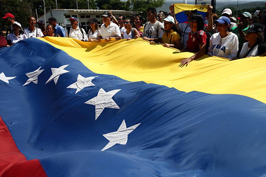 Ülke genelinde protestolar sürüyor.