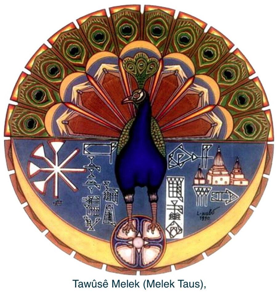 Melek Tavus bu tür inançlarda zıtlıkların kaynağı ve aynı zamanda zıtlıkların ortadan kalktığı bir simgedir.