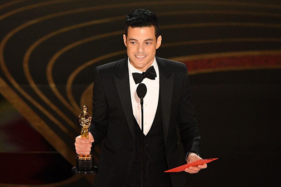 Mısır asıllı oyuncu Rami Malek, gecede En İyi Erkek Oyuncu ödülünün sahibi oldu.
