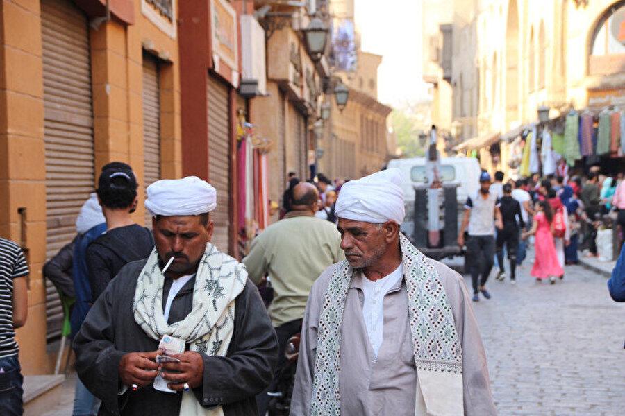 Kahire sokakları bir renk ve kültür cümbüşüdür.