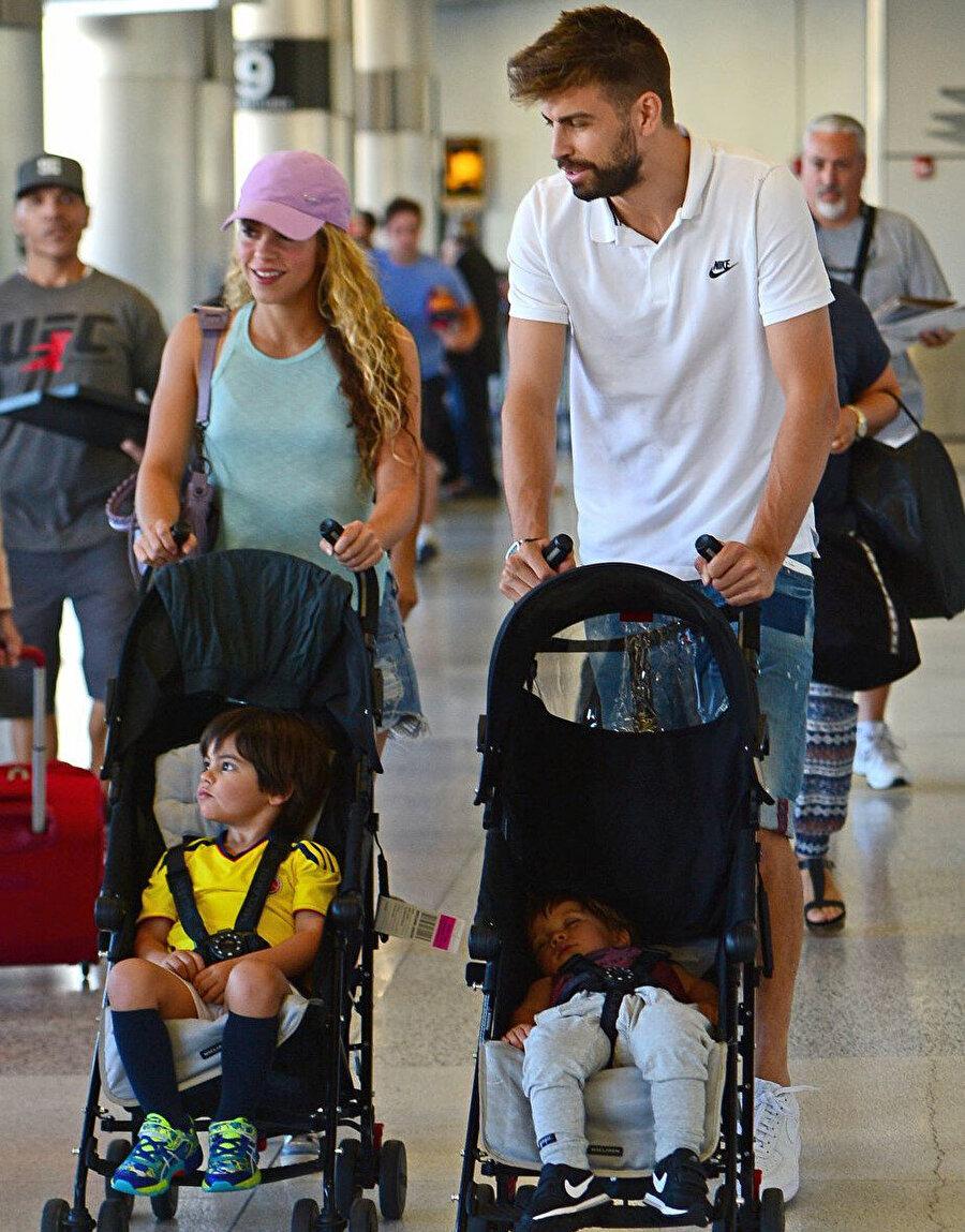 Shakira, Barcelona'nın başarılı futbolcusu Gerard Piqué uzun zamandır evliler. Çiftin 2 tane çocuğu bulunuyor.