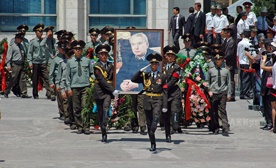 Cengiz Aytmatov'un cenaze töreninden (14 Haziran 2008)