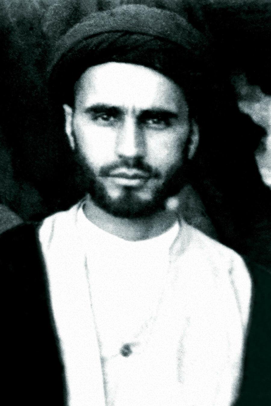 Humeynî'nin gençlik yıllarından bir fotoğraf.