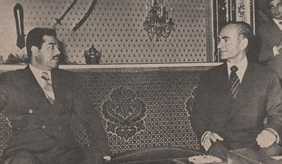 Saddam Hüseyin ve Muhammed Rızâ Pehlevî aynı karede.