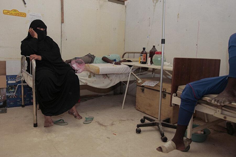 Yemen hükümetinin geçici başkent ilan ettiği Aden'de, Somalili mültecilere hizmet veren bir hastanenin odası.