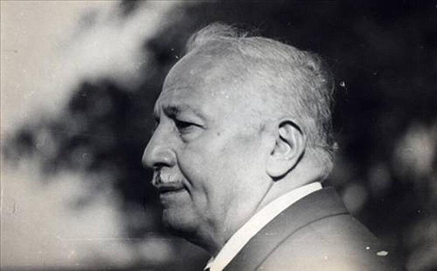 28 Haziran 1996'da dünyaya gelen, mühendis, akademisyen ve siyasetçi Prof. Dr. Necmettin Erbakan, 2011 yılında yaşamını yitirdi.