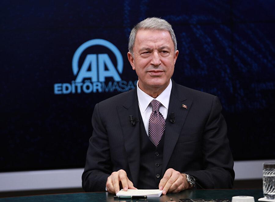 Milli Savunma Bakanı Hulusi Akar açıklamalarda bulundu.