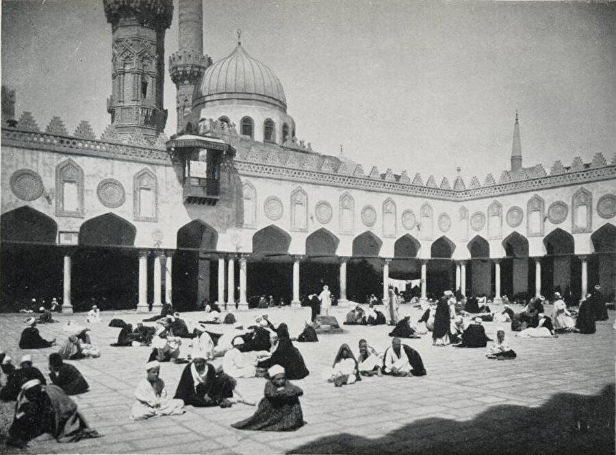 Geçtiğimiz yüzyılın başından bir Ezher görüntüsü.