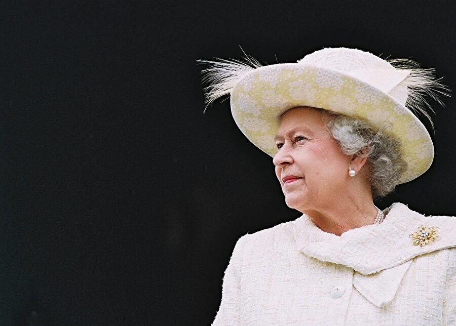 Kraliçe Elizabeth.