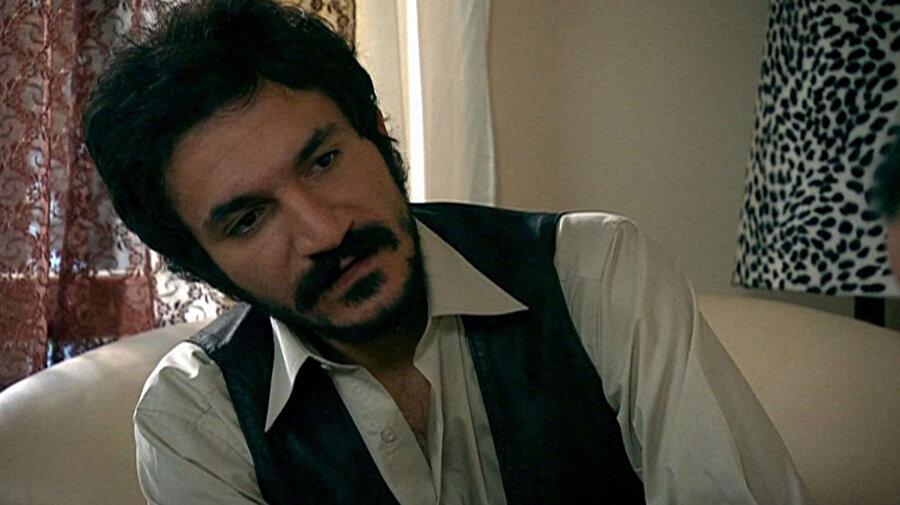 Behzat Ç. eski oyuncu kadrosunda yer alan ve 'Hayalet' rolünü canlandıran oyuncu Hayati Konukçu.